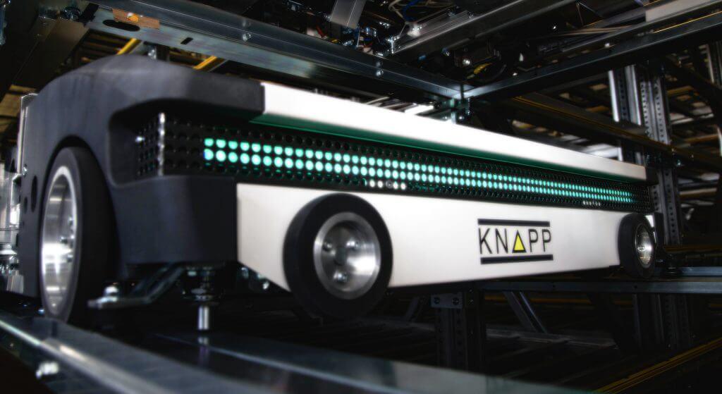 Nuestra solución RUNPICK es una combinación de nuestro OSR Shuttle™ Evo, el módulo robótico y KiSoft Pack Master.