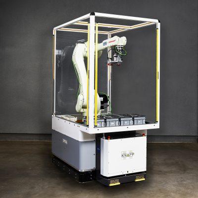 Con el Open Shuttle Fork se pueden transportar diversos montacargas especiales como una célula robotizada.