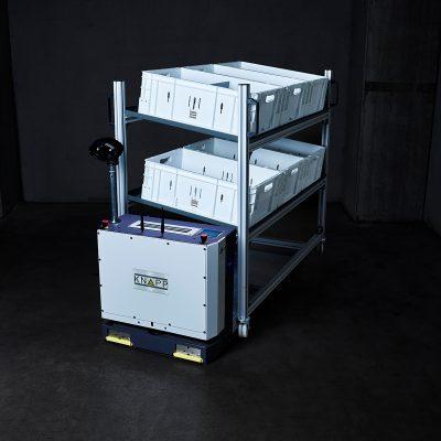 Con el Open Shuttle Fork se pueden transportar diversos montacargas especiales como una estructura de estantería.