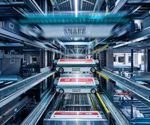 Das automatische Lagersystem OSR Shuttle Evo hilft dabei die Digitalisierung und Automatisierung in der Logistik voranzutreiben