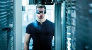 KNAPP Datenbrille; Smart Worker, Arbeitsumfeld der Zukunft, Arbeiten in Logistik und Produktion.