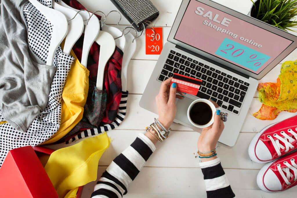 Die klassischen Trends wie Fast Fashion, Produktindividualisierung, Retouren und E-Commerce sind in voller Fahrt